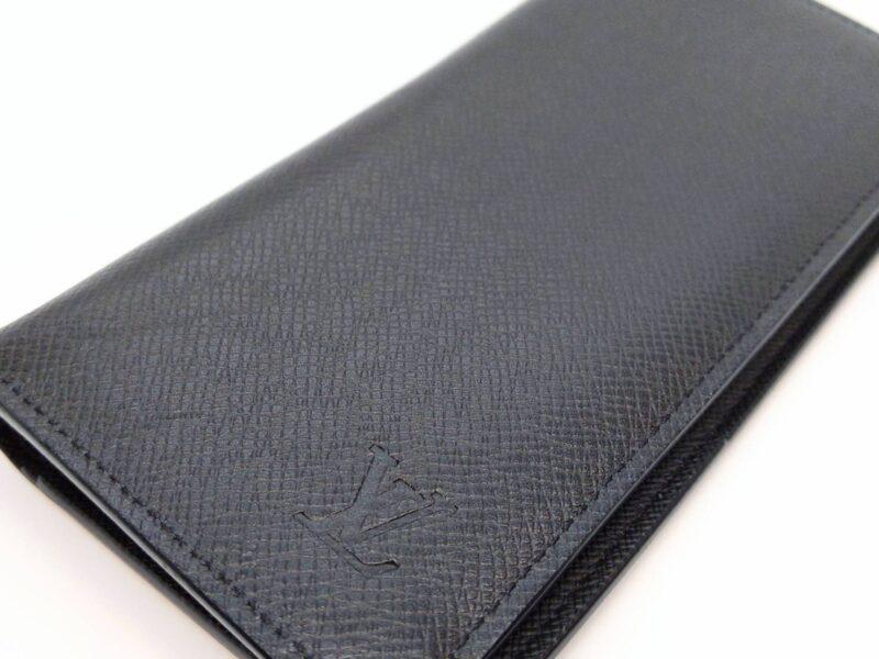 ルイ・ヴィトンのタイガの二つ折り長財布をお買取りしました!
